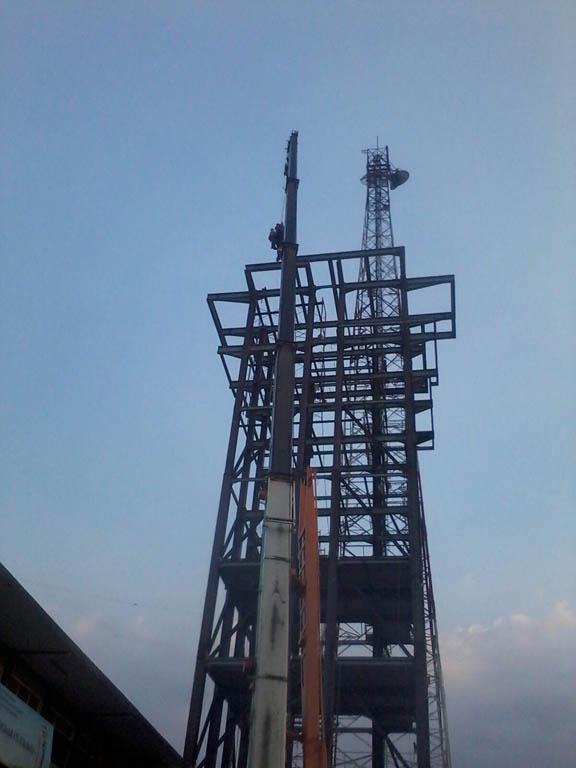 Menara Navigasi - Tanjung Perak Surabaya (1)